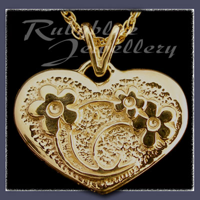 Gold 'Heart' Pendant Image