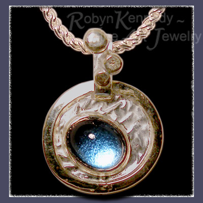 18 Karat yellow Gold, Reticulated Silver and Blue Topaz Pendant Image